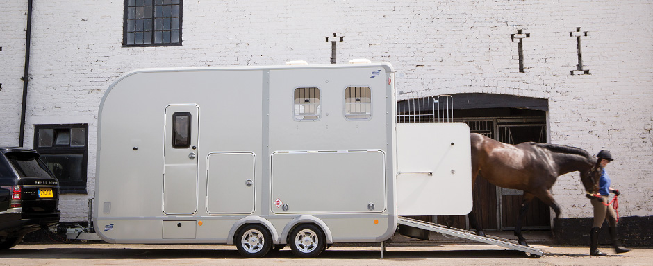Ifor-Williams-Eventa-horsebox